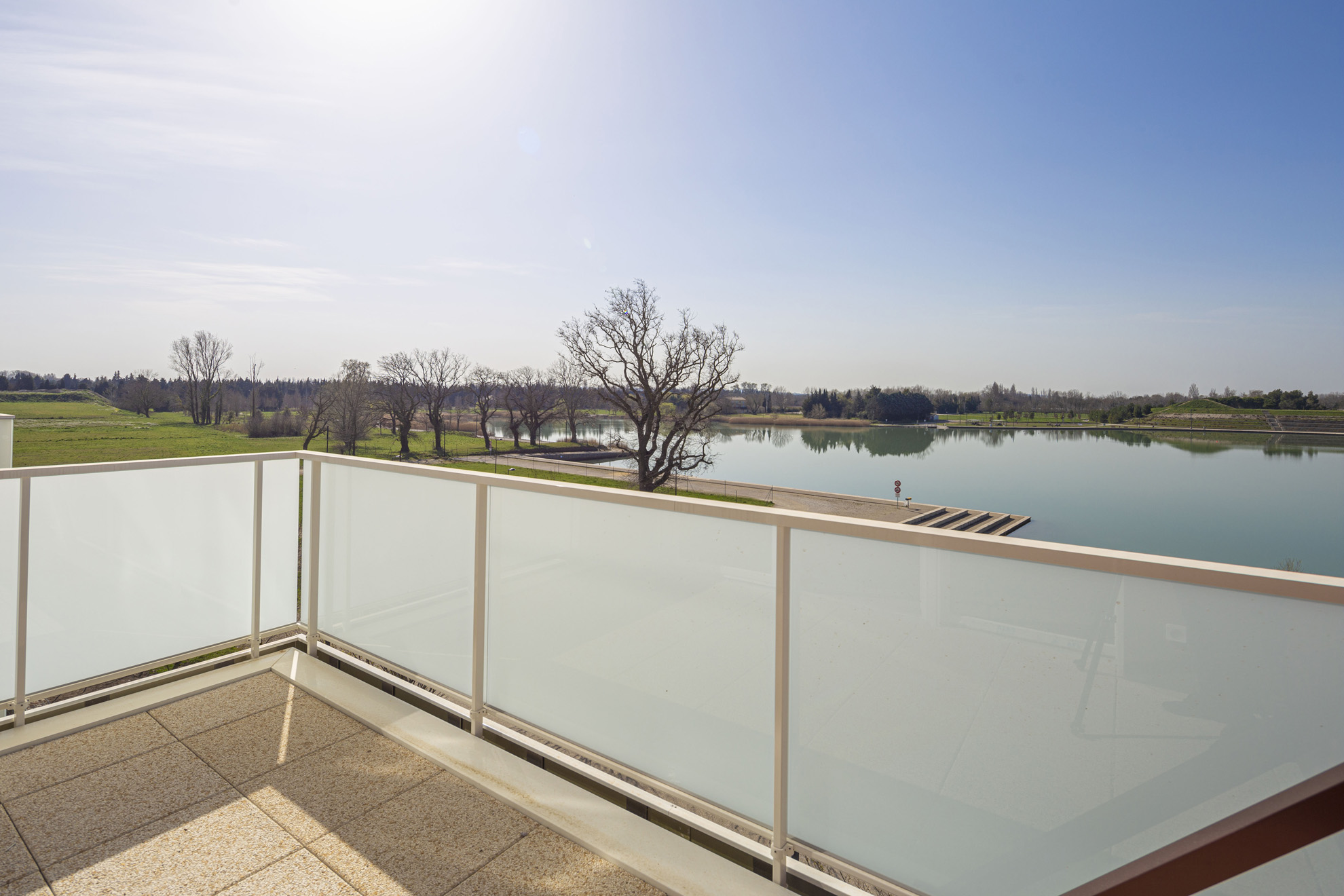 Patio du Lac-monteux-residence-lac-bord-plage-neuf-investissement-pinel-1
